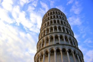 The Leaning Tower of Pisa is hard to photograph because of the rounded shape of the camera lens